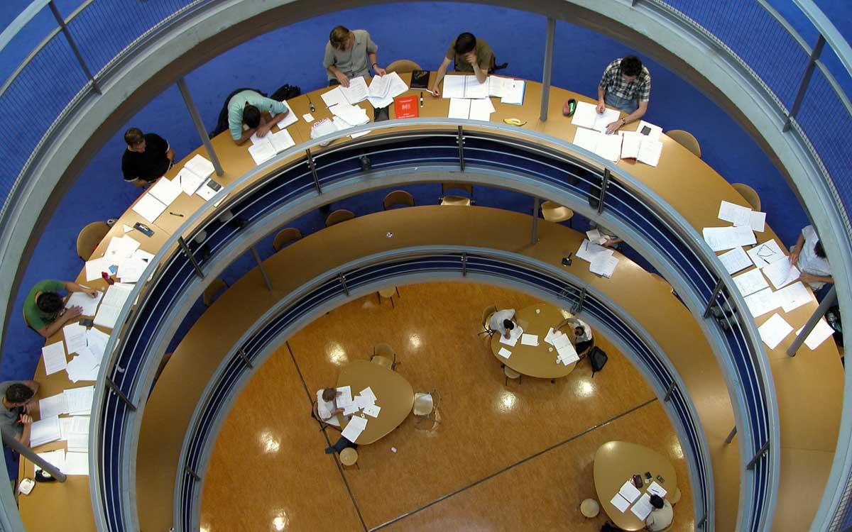 FOM Bachelorarbeit durchgefallen | acadoo® Ghostwriting